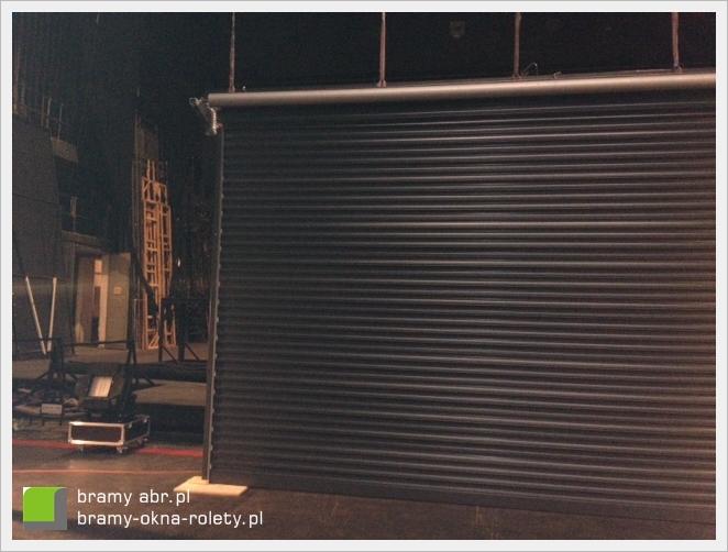 brama rolowana - jako scenografia w Teatrze Wielkim